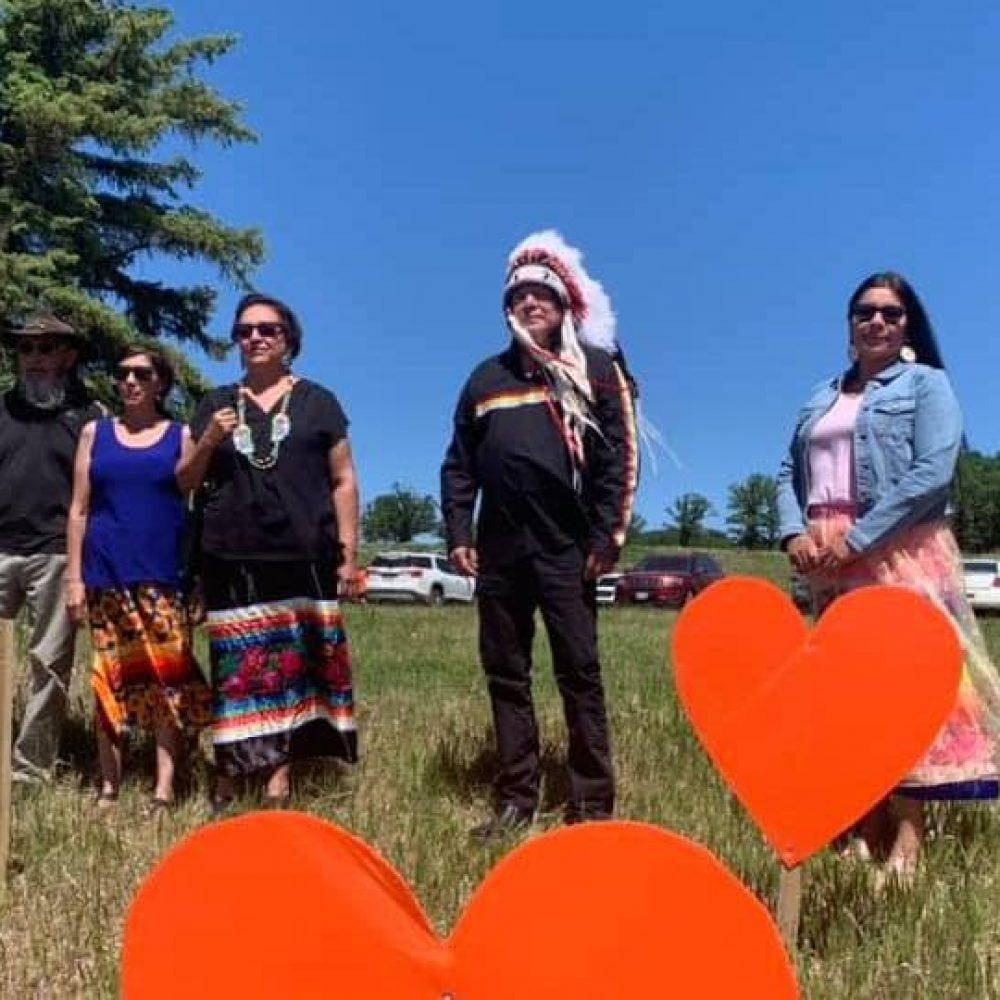 "CANADA – FIRST NATIONS / WEEKLY SHARING NEWS : "" Pensionnats pour Autochtones : les chefs du Manitoba réclament les registres des églises"", Radio Canada/ Ici manitoba"