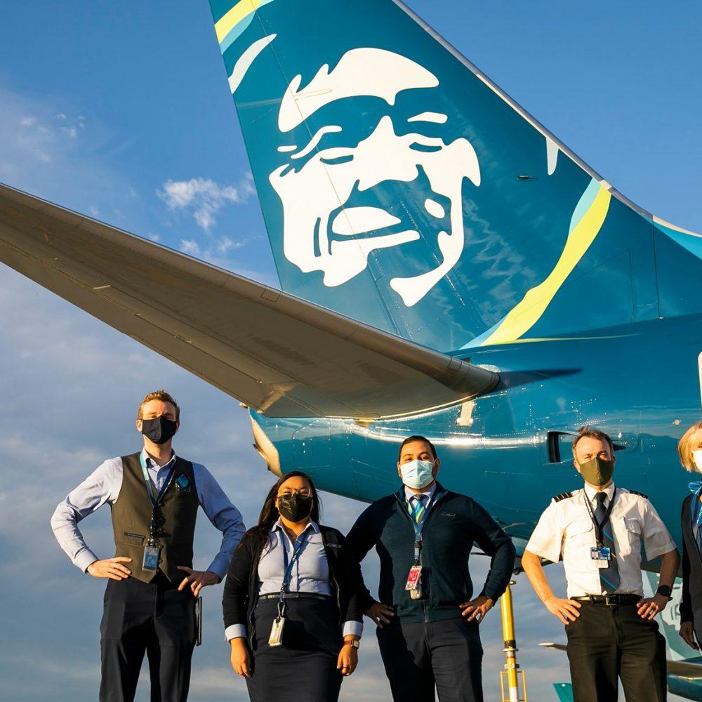 """Alaska Airlines: """"Alaska Airlines' frequent flyer program partners with Points … / Le programme de fidélisation d'Alaska Airlines s'associe avec Points …"""""""