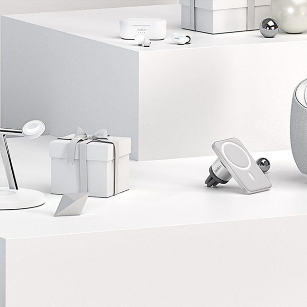 """Belkin US/CA : """"From wireless home networking and entertainment … / Des réseaux et divertissements domestiques sans fil …"""""""